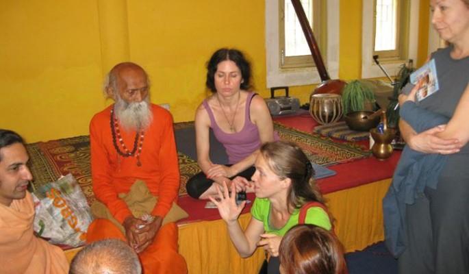 Anastasia Teaching yoga at Himalayan Yoga Academy, India